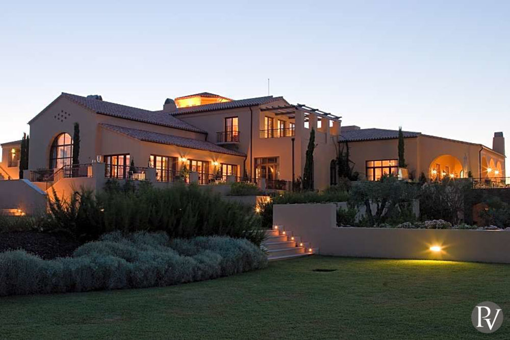 Monte Rei Golf and Country Club, Three Living Architecture